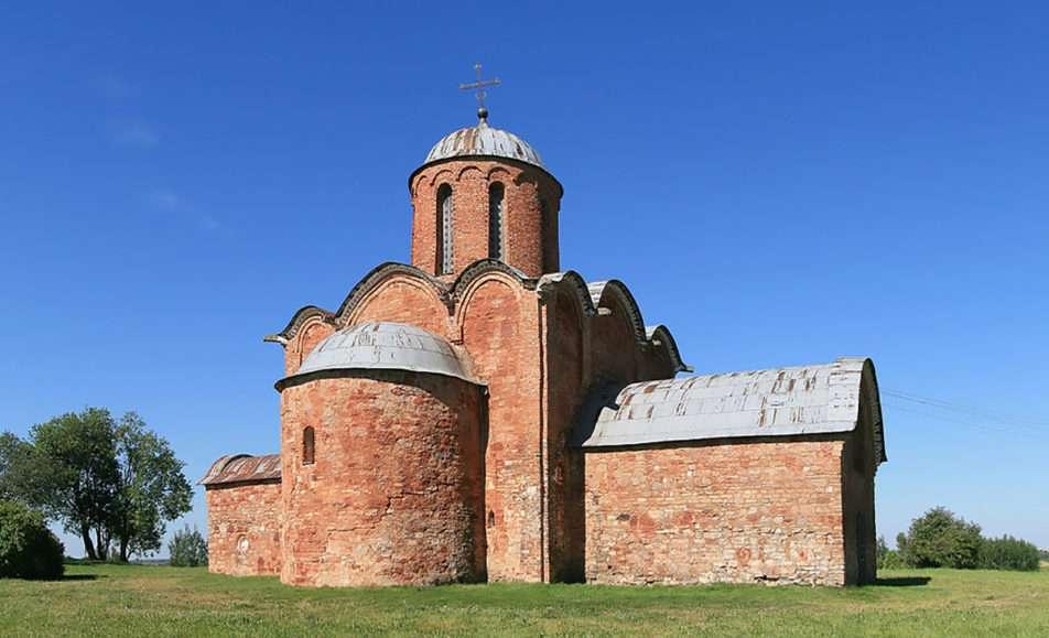 Памятник-музей церковь Спаса Преображения на Ковалеве