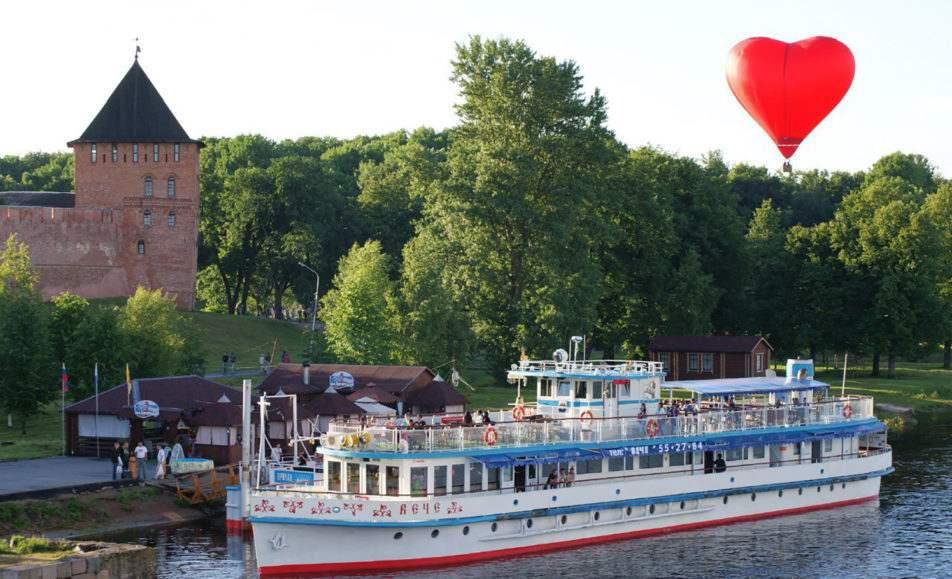 Теплоходные экскурсии по реке Волхов