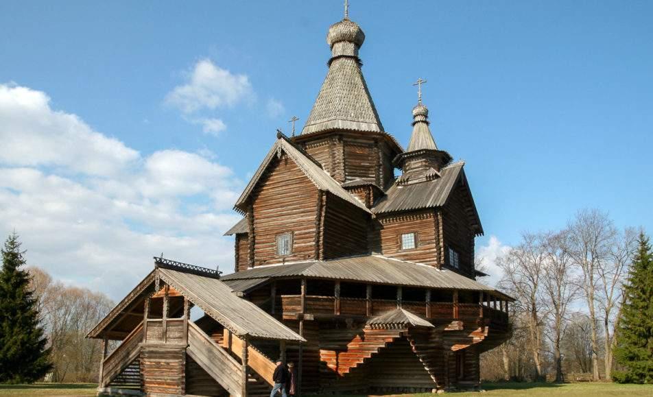 Уличные экскурсии в музее народного деревянного зодчества Витославлицы